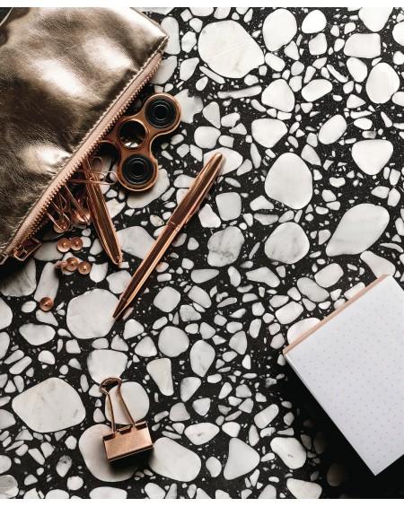 dlažba obklad velkoformátový imitující leštěný granit Shards large black 120x120 cm